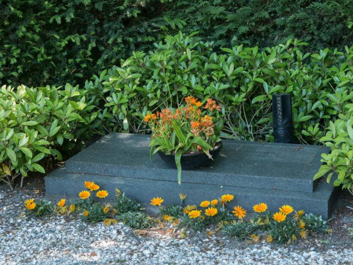 Onderhoud gedenksteen Soldaat van oranje