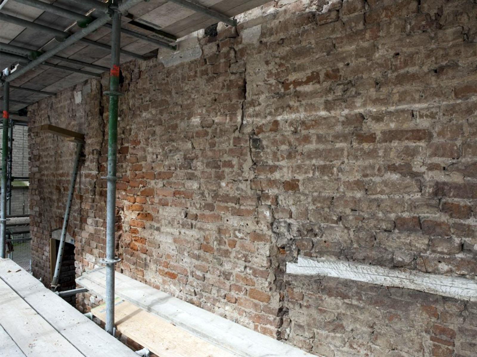 scheur-in-muur
